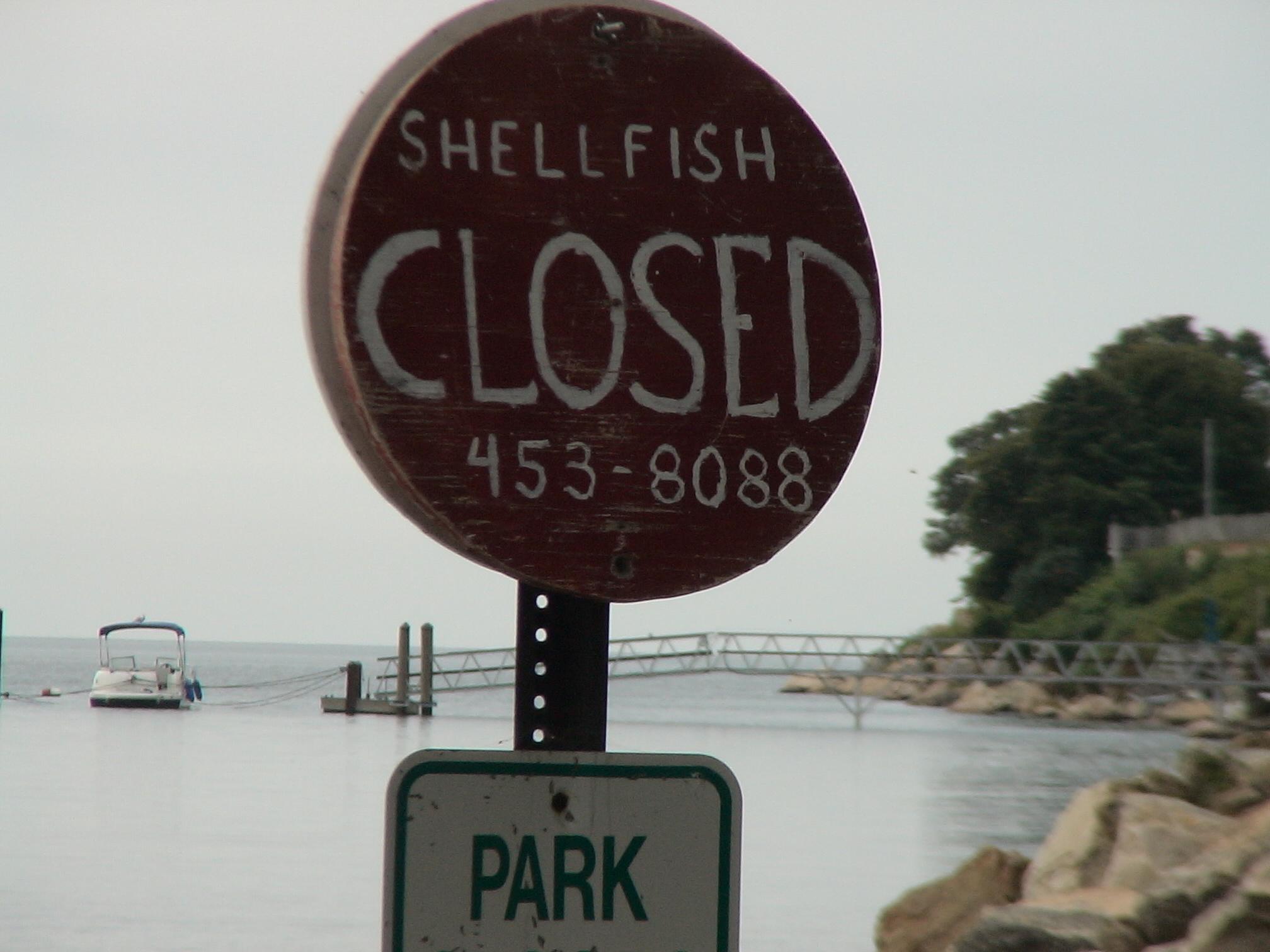 Shellfishing Closed Sign