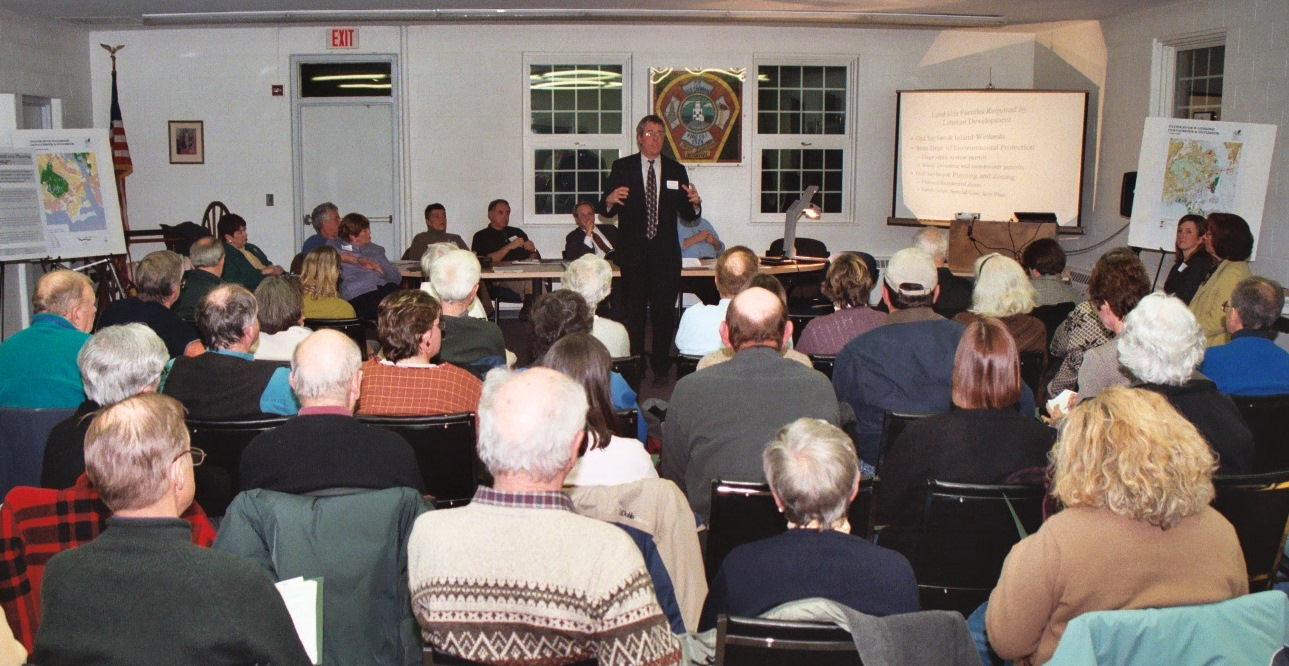 CFE's Curt Johnson speaks at a 2004 community forum on The Preserve (Credit: Bob Lorenz)
