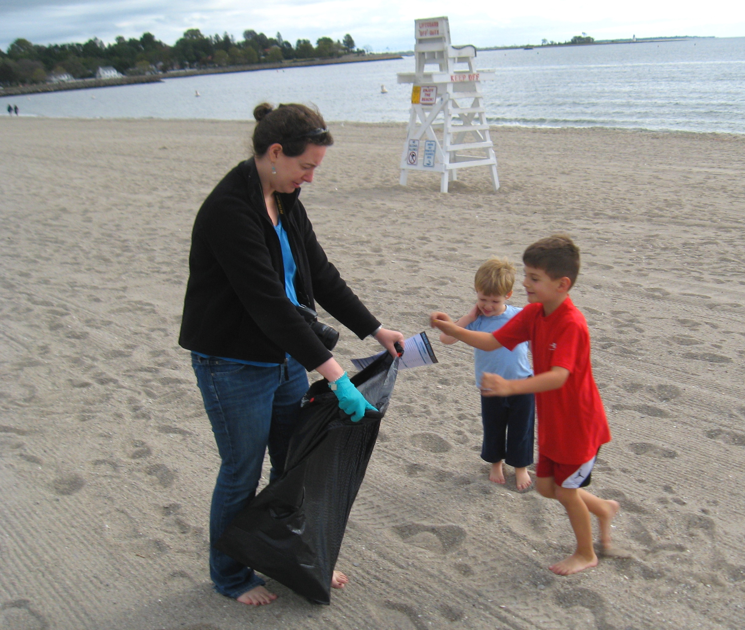 Cleanup at Jennings Beach, Fairfield