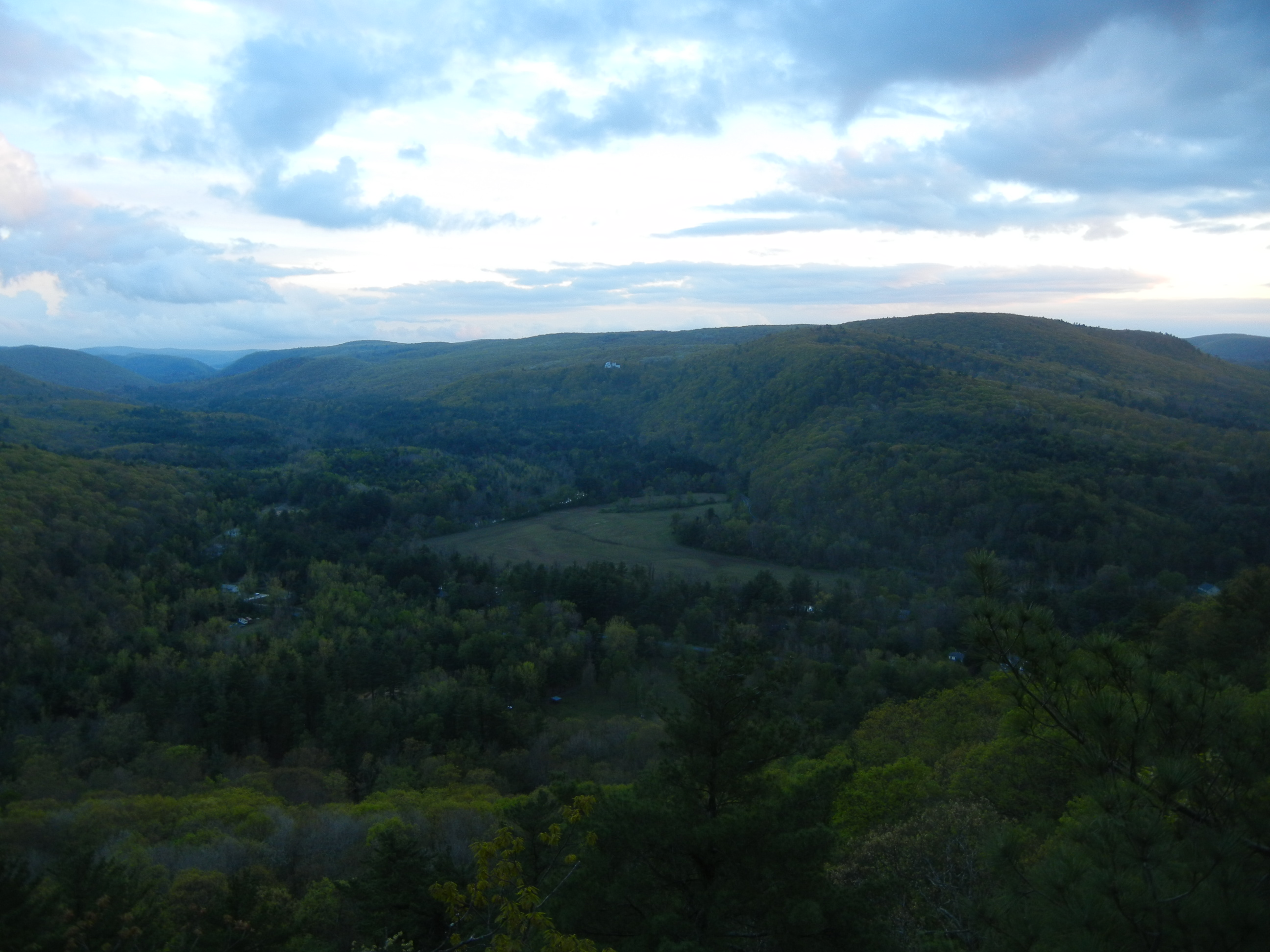 ben-smith-sharon-mountain-and-housatonic-valley-from-lookout-point-barrack-mountain-canaan